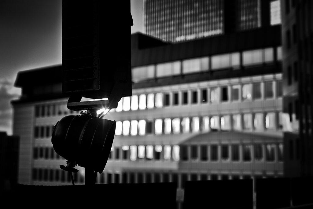 20120816-Deutschland-Frankfurt-Bahnhofsviertel-Nacht-Miaplacidus-Konzert-25h-Hotel-N-006-cape